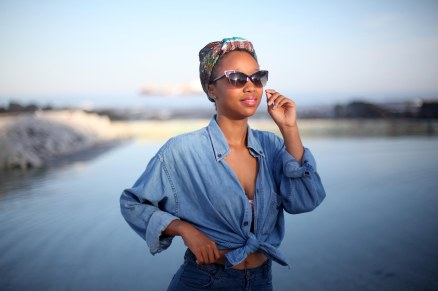 03_out_of_the_blue_denim_shirt_denim_short_headwrap_cat_eye_sunglasses_tokelo_motsepe_through_shaded_eyes
