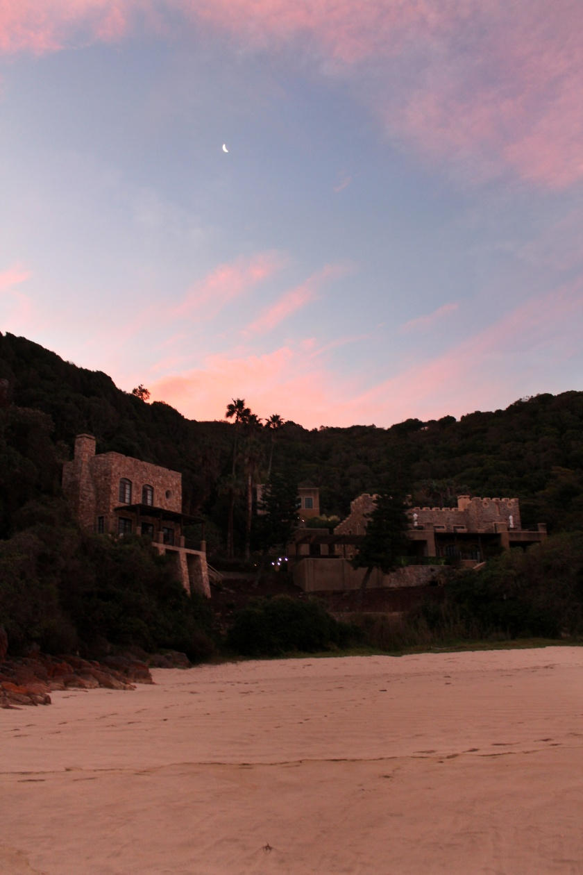 noetzie_castles3_knysna_rising_knysna_fires_through_shaded_eyes_travel_tokelo_motsepe